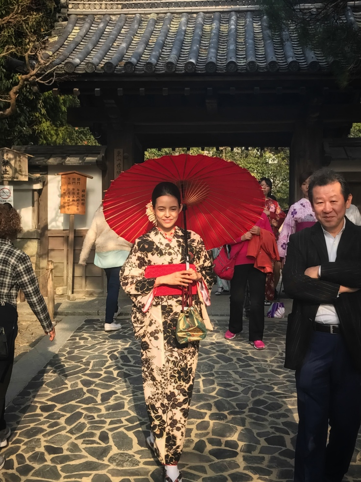 Geisha tourist in Kyoto 2